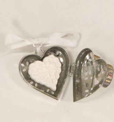 cuore in resina con gessetto profumato